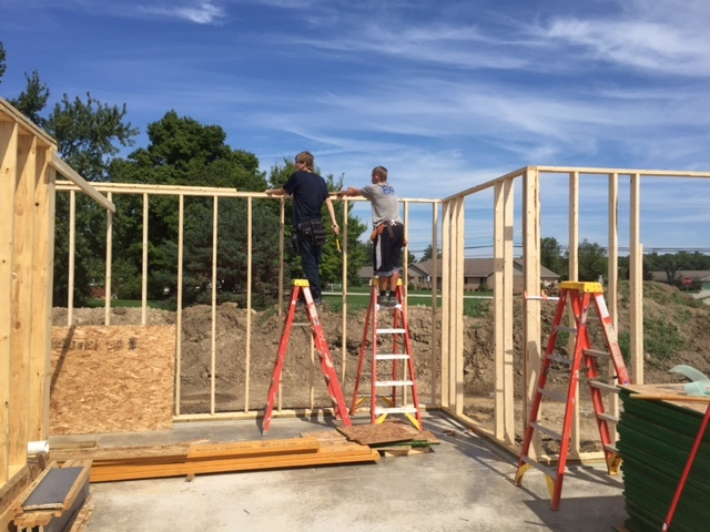 New!  FREE Adult Construction Class Being Offered : Featured Image 1