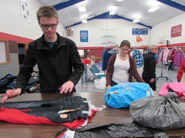 Dennings Classes Help Out The Angel Tree: Featured Image 1