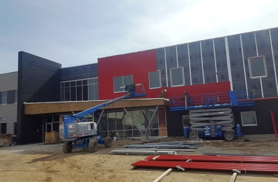 Tri Star 2.0 Building Is Getting It's Red: Featured Image 1