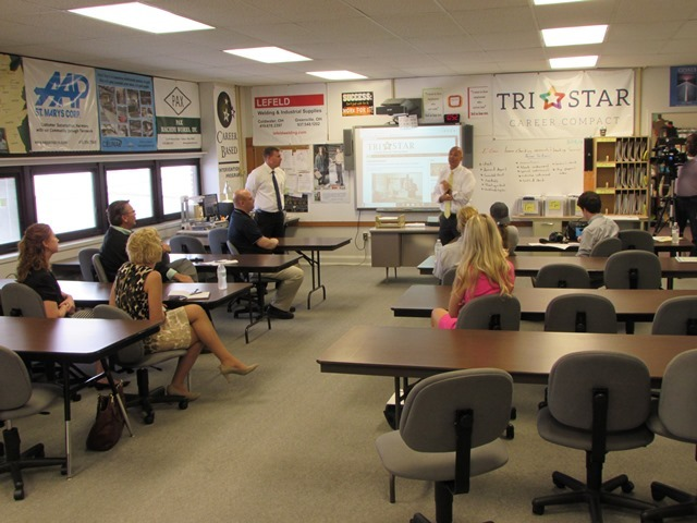 Ohio School Board President Visits CBI Program: Featured Image 1
